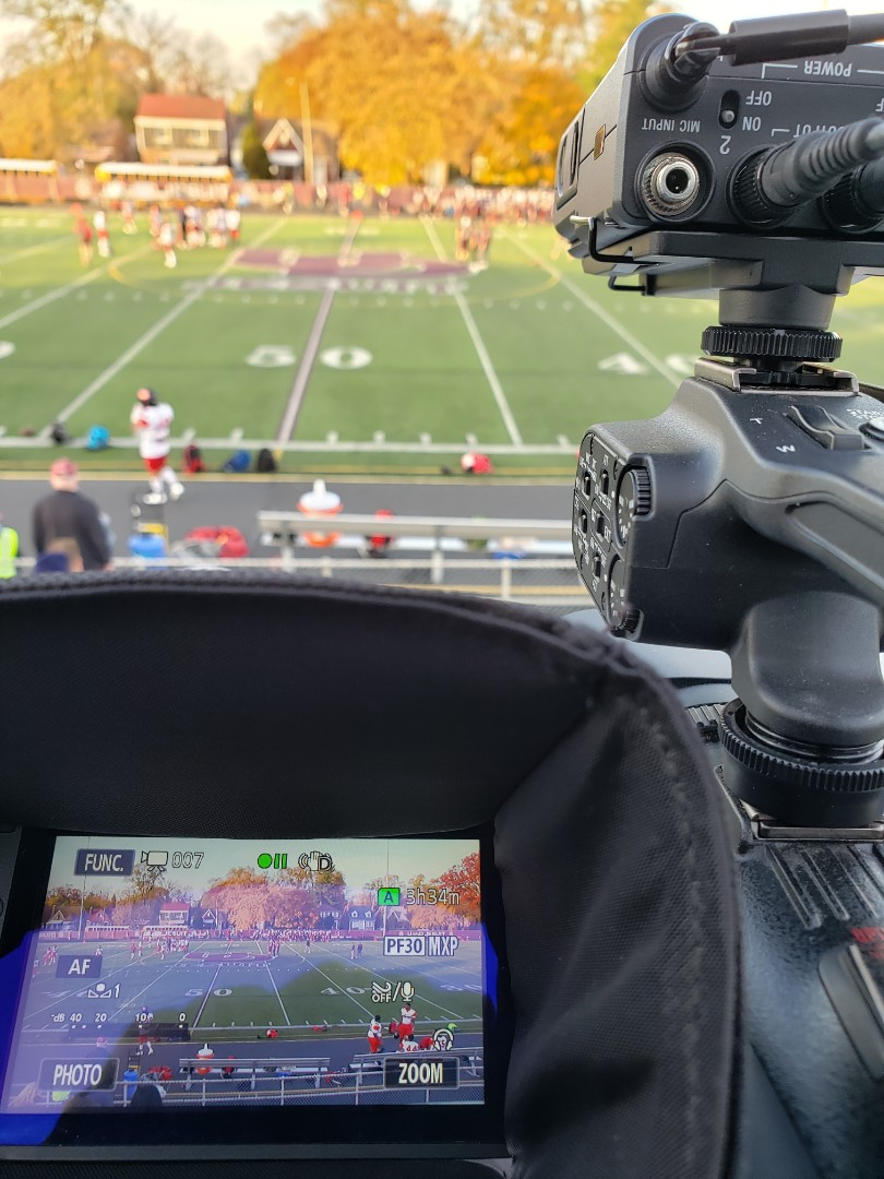 Detroit, MI - Streaming football in 70-degree weather! For The Detroit Free Press at twitch.com/detroitfreepress.