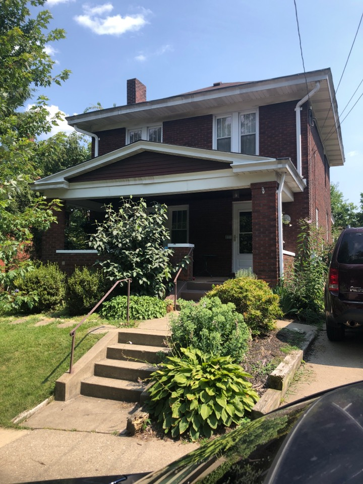 Pittsburgh, PA - This customer is interested in a new GAF roof with silicone seal in the box gutters