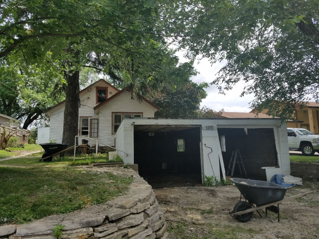 Maple Grove, MN - Helping a real estate investor to bring this investment home ready for resale. Property needs new roofing, garage flat roof, vinyl siding and all windows replaced. Existing flat roof is leaking very badly. Prime Home will install EPDM 60 mil rubber roof.