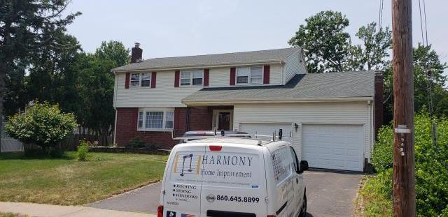 West Hartford, CT - GAF Timberline HD Shingle installation-Hunter Green is color