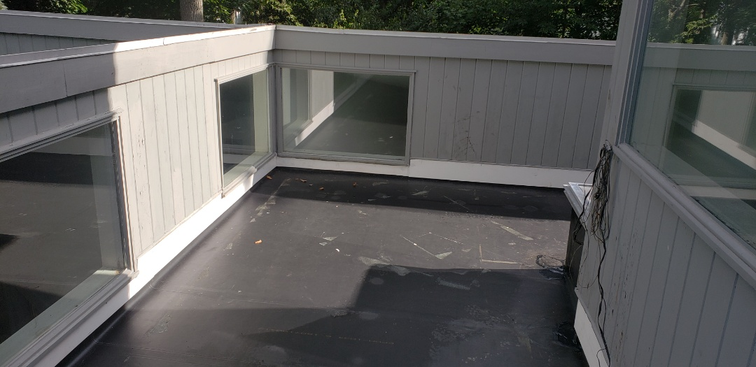 Hamden, CT - New EPDM Flat roof installation with new 1x8 composite cornerboards