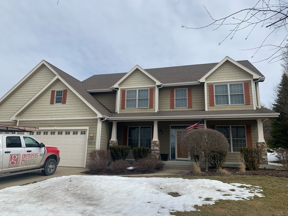 Cumming, IA - Roof inspection and roof replacement estimate in Cumming, Iowa! Free estimates and free derecho and hail damage inspections!