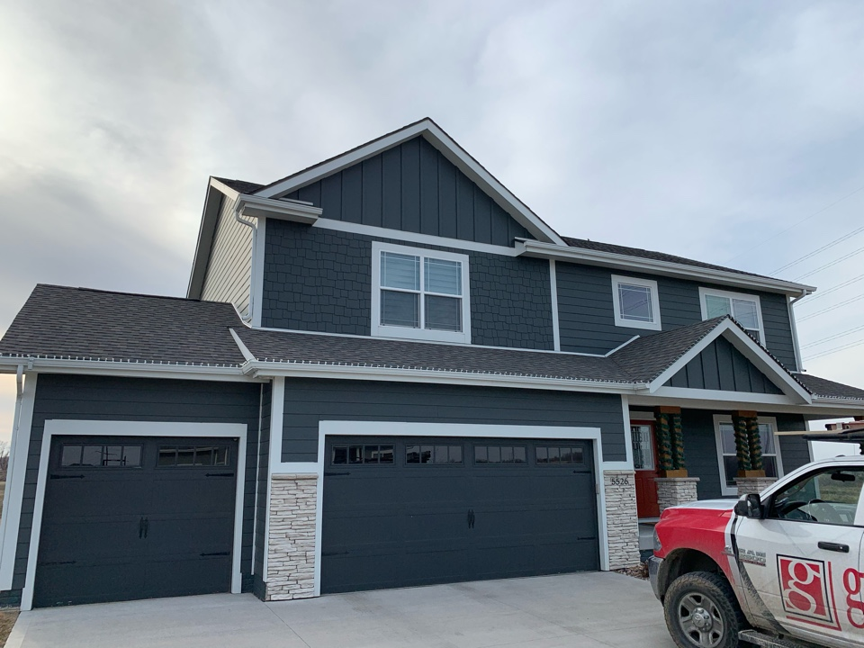 Urbandale, IA - Roof inspection and roof estimate in Urbandale, Iowa! Free roof estimates and storm damage roof inspections!