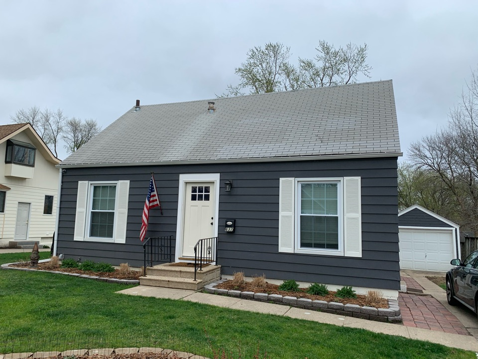 West Des Moines, IA - Roof repair and roof replacement estimate in West Des Moines, Iowa! Free roof estimates and hail and wind damage roof inspections!