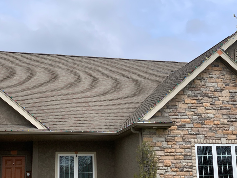 Ankeny, IA - Roof repair in Ankeny, Iowa! Free roof estimates and wind damage and hail damage roof inspections!