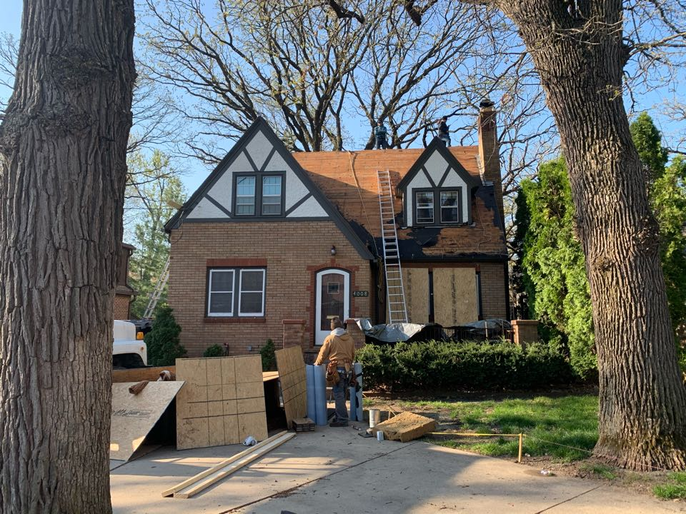 Des Moines, IA - New roof replacements in Des Moines, Iowa! Free roof estimates and free roof inspections!