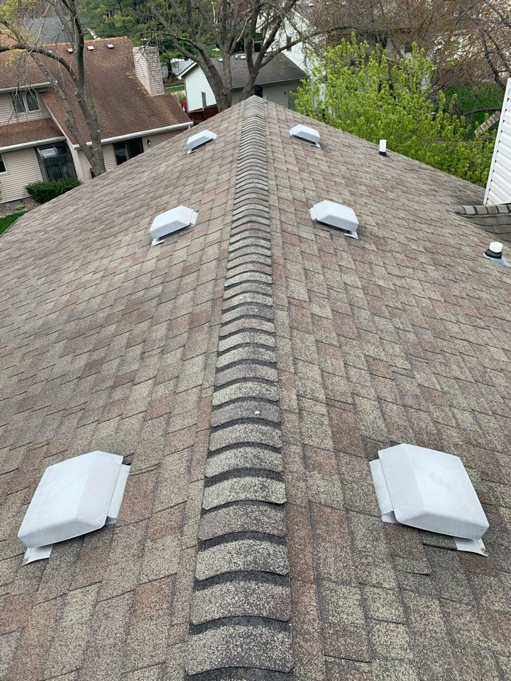 Clive, IA - Roof replacement estimate in Clive, Iowa! Free roof estimates and roof inspections!