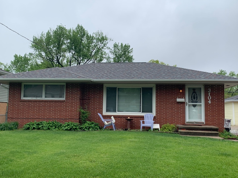 Des Moines, IA - New roof replacement in Des Moines, Iowa! Free roof estimates and free roof inspection!