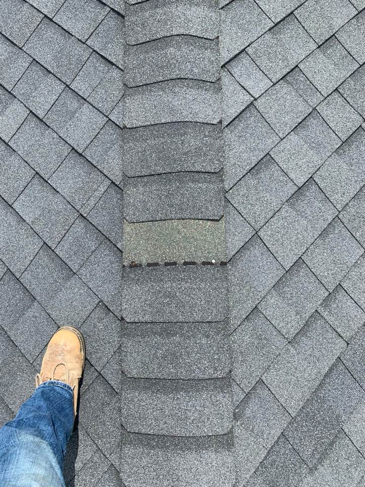 Ankeny, IA - Roof repair in roof inspection in Anthony, Iowa! Free roof estimates and roof inspections!