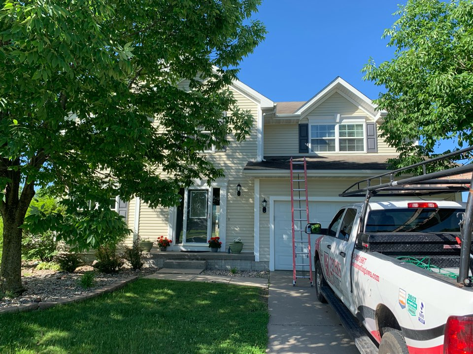 Ankeny, IA - Roof replacement and roof inspection in ankeny, Iowa! Free roof estimates and free roof inspections!