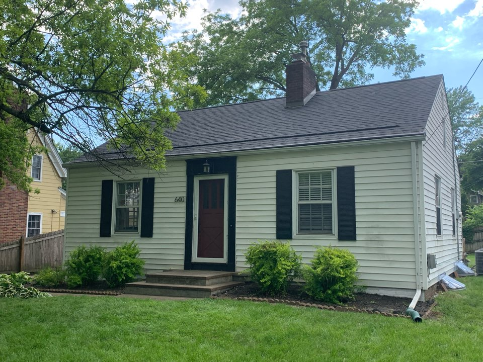 Des Moines, IA - New roof replacement in Des Moines, Iowa! Free roof estimates and free roof inspections!