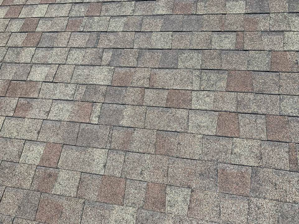 Waukee, IA - Hail damage roof inspection in Grimes, Iowa! Free roof estimates and free storm damage roof inspections!