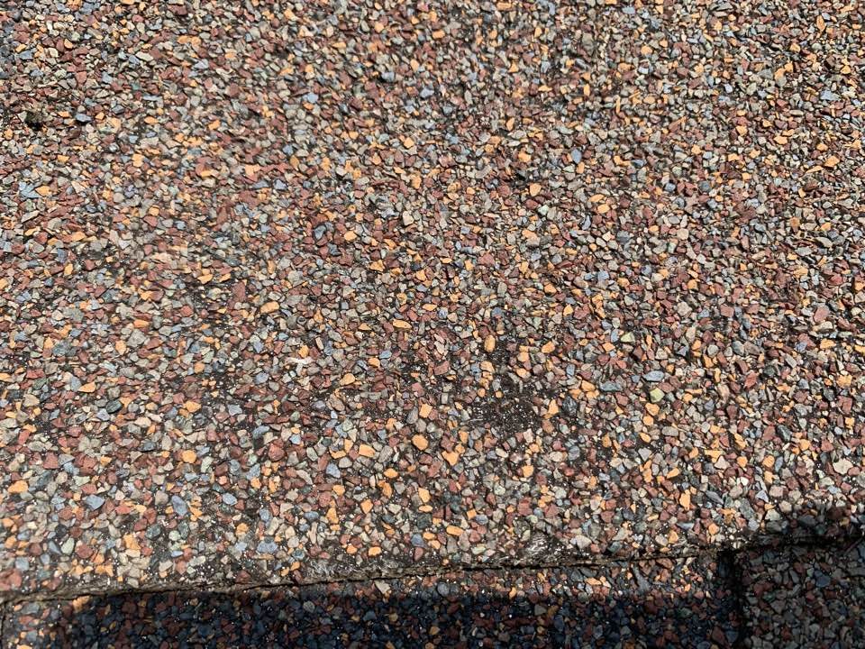 Johnston, IA - Hail damage roof inspection in Johnston, Iowa! Free roofing estimate and free hail damage roof inspections!
