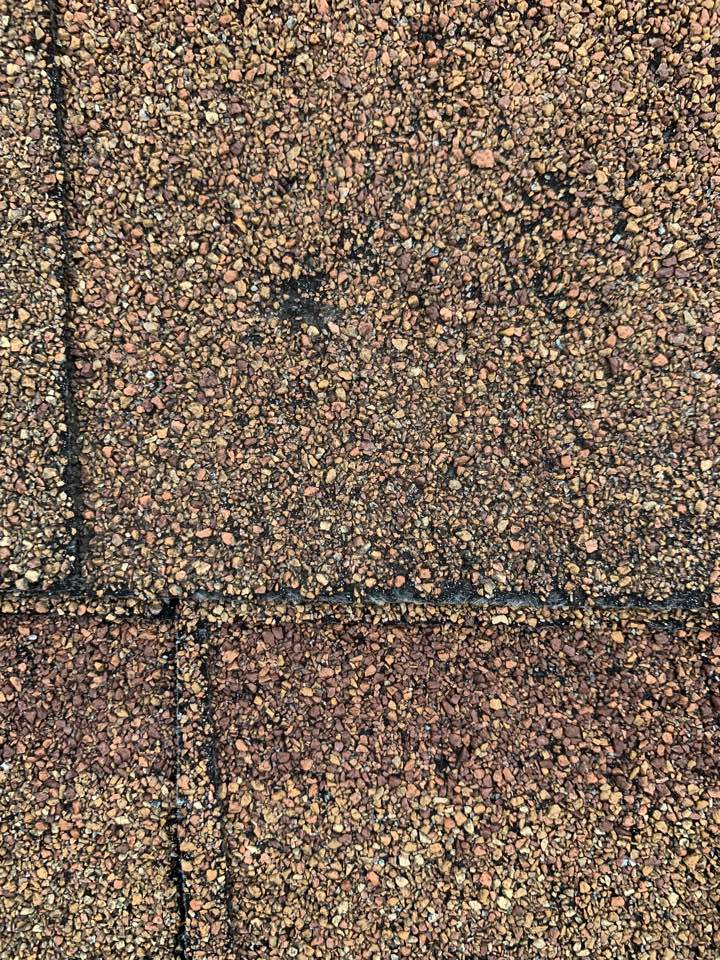 Urbandale, IA - Hail damage roof inspection in Urbandale, Iowa! Free hail damage roof inspections in free roof repair estimates!
