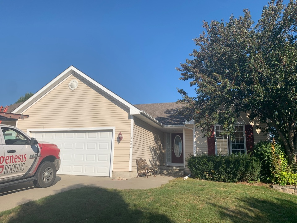 Ankeny, IA - Hail damage roof inspection in Ankeny, Iowa! Free roof repair estimates and free roof replacement estimates!