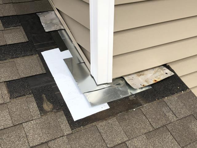 Urbandale, IA - Customer called with roof leak. We repaired corner flashing and installed new ice and water barrier. Problem solved!