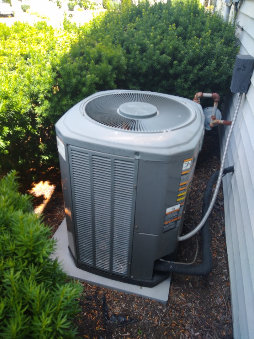 Fort Wayne, IN - Added R22 to Trane unit, slow leaker
