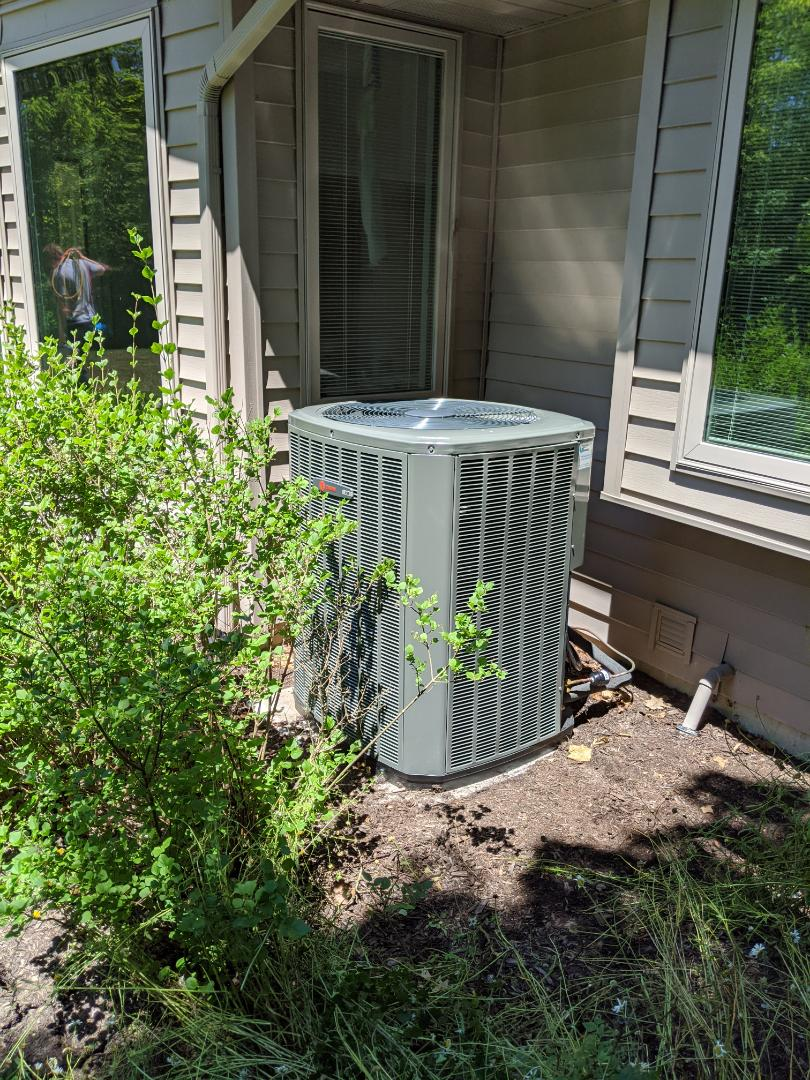 Fort Wayne, IN - Just finished installing a new Trane condenser in Fort Wayne.