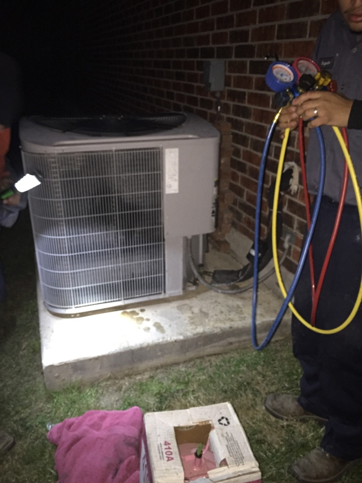 "Cibolo, TX - No Heat!!! This cold weather is  ""burr cold!"" Kensington Dr. Cibolo,Tx. 78108 ...several companies later customer finally found the right company to perform his HeatPump repair. R410a recharge Carrier System."