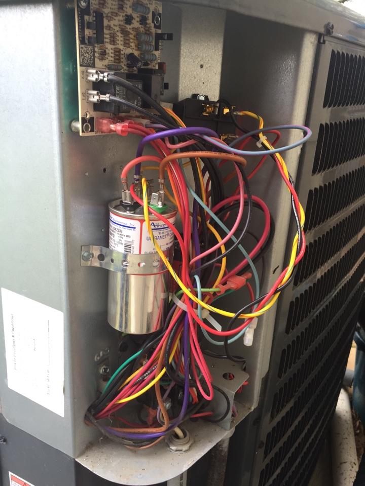 San Antonio, TX - Ac repair- air conditioning repair- on Trane system . Compressor failure- needs freon