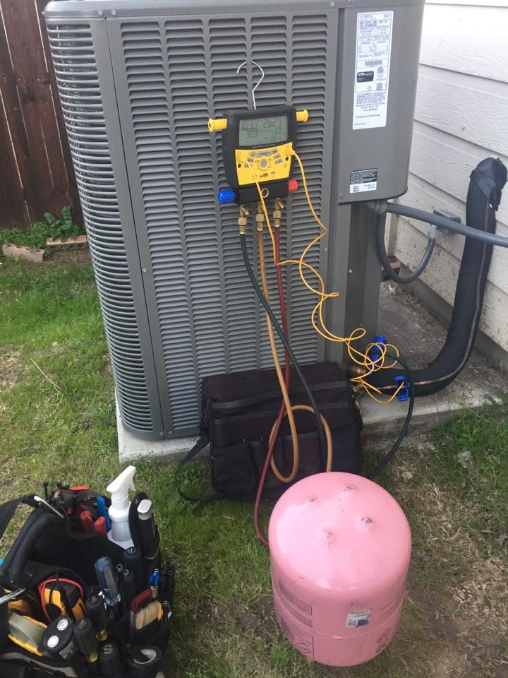 San Antonio, TX - Ac repair freon recharge on Lennox system