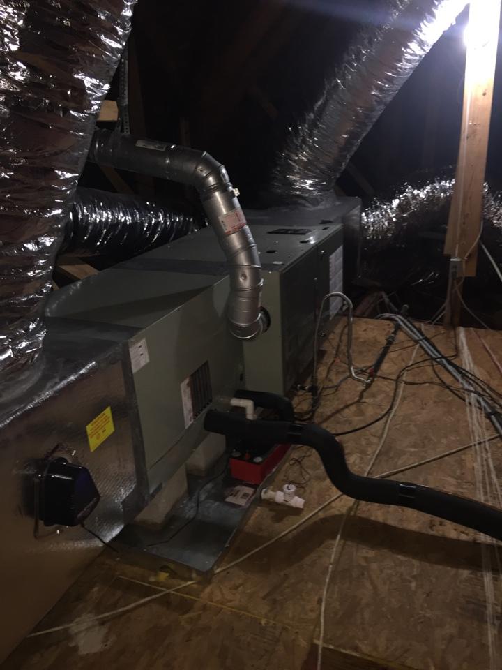 San Antonio, TX - Ac repair on Trane unit. 18 seer variable speed