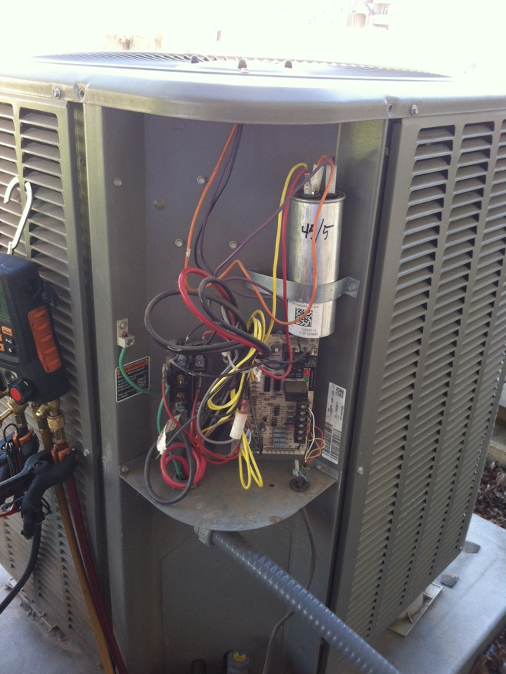 Cheney, WA - Lennox heat pump tripping on high pressure switch.  Bad TXV