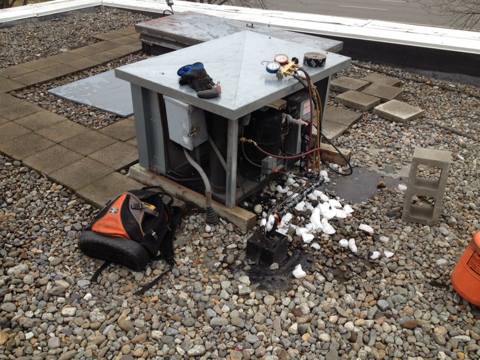 Coeur d'Alene, ID - Commercial maintenance on refrigeration and heating including ice maker