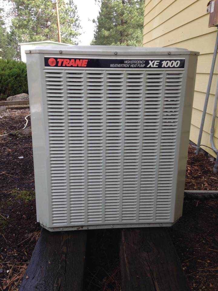 Chattaroy, WA - Preventive maintenance on a Trane XE1000 Air Conditioner in Chattaroy, WA.