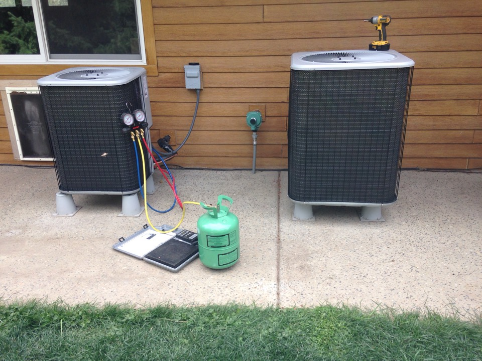 Saint Maries, ID - Installing 2 New R-22 Lennox heat pumps