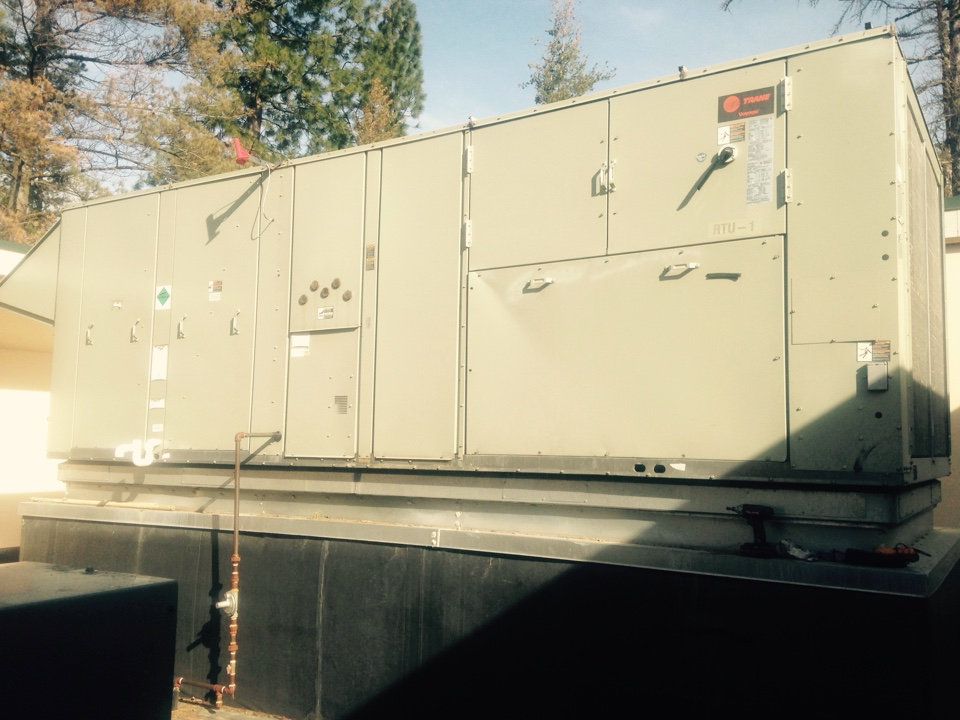 Sandpoint, ID - Transformer tripped on Trane voyager roof top unit