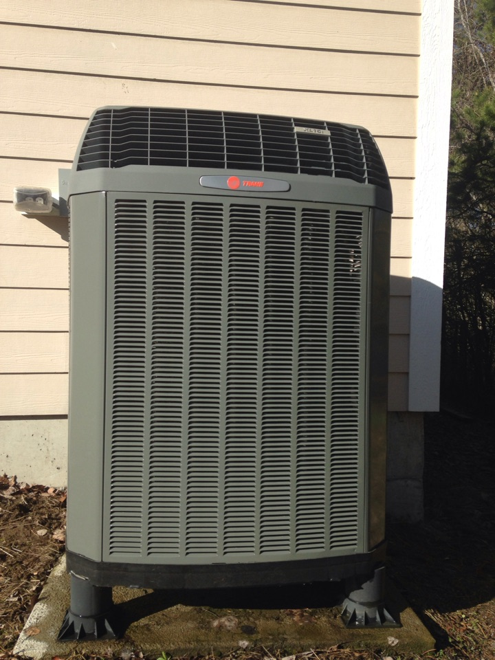 Sagle, ID - Preventive maintenance on a Trane heat pump, cooling side.