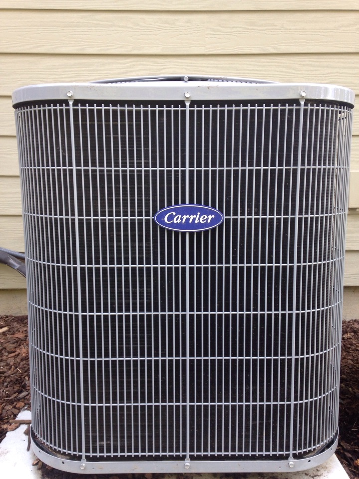 Coeur D Alene, ID - Preventive maintenance on a Carrier air conditioner.