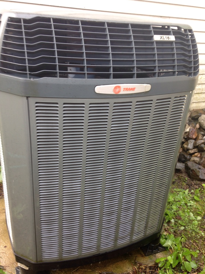 Sandpoint, ID - Preventive maintenance on a Trane heat pump XL 16i, cooling.