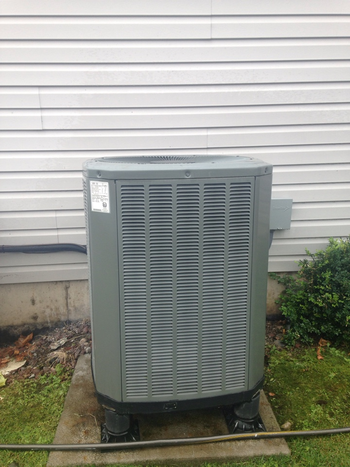 Post Falls, ID - Preventive maintenance on a Frigidaire gas furnace and a Trane heat pump.