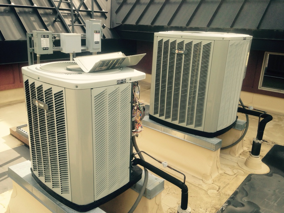Kellogg, ID - Maintenance on Trane heatpumps