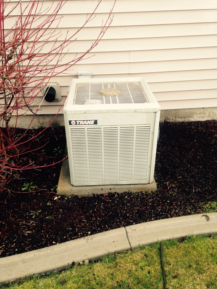 Spokane Valley, WA - Performing cooling maintenance on Trane unit