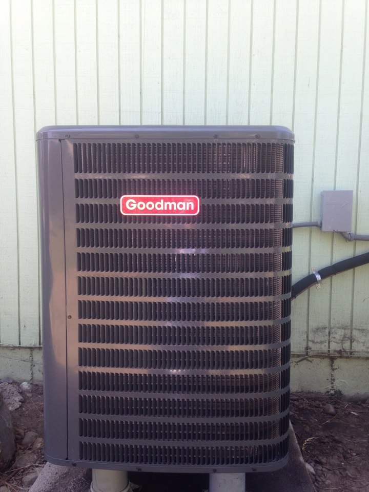 Spokane Valley, WA - Replacing Goodmen heatpump. And indoor expansion valve. TXV