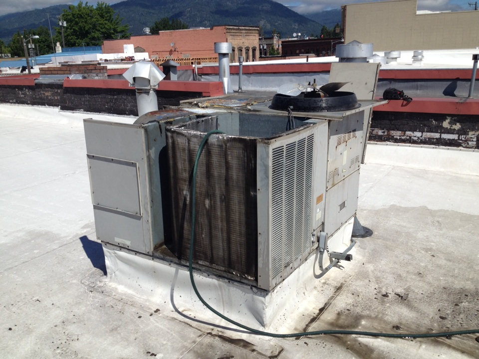 Sandpoint, ID - Commercial pm and coil cleaning