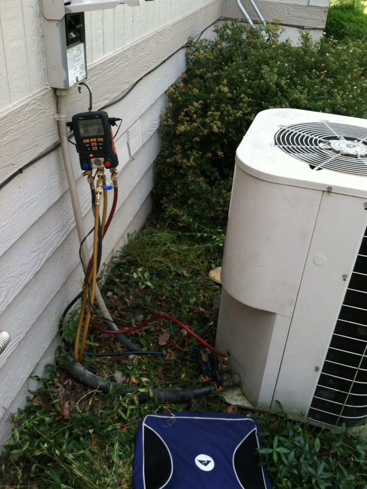 Liberty Lake, WA - Performing AC Maintenance.  Filthy condenser coil causing system to not perform correctly