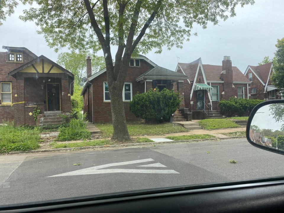 St. Louis, MO - Inspection of roof for damage and possible expert replacement.