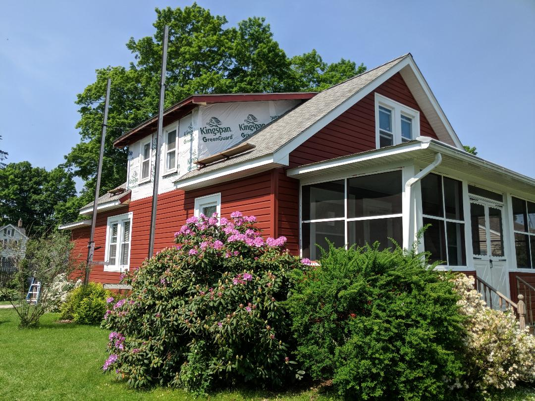 Pine Bush, NY - Exterior update creates curb appeal and energy efficiency!Alside Prodigy pre insulated siding in Autumn Red with dutchlap profile.Alside Prodigy siding has an R-value of 4.5 and is impact resistant.For all of your exterior needs....'Go with The PROS' 845-343-1777
