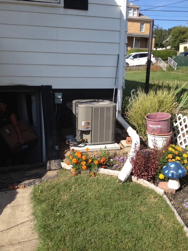 Ambridge, PA - Lennox air cond