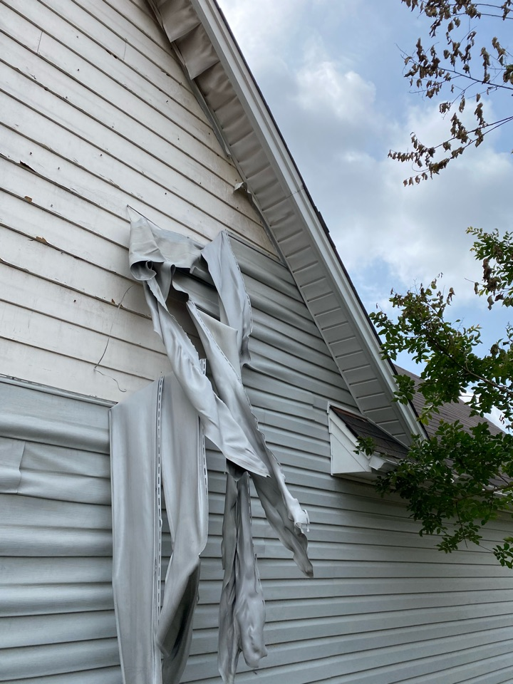 Montgomery, AL - Protek assisting with siding replacement