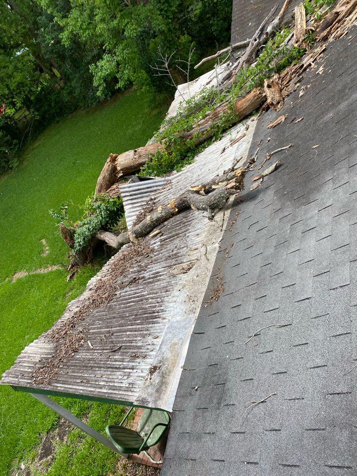 Montgomery, AL - Protek assisting with roof repairs