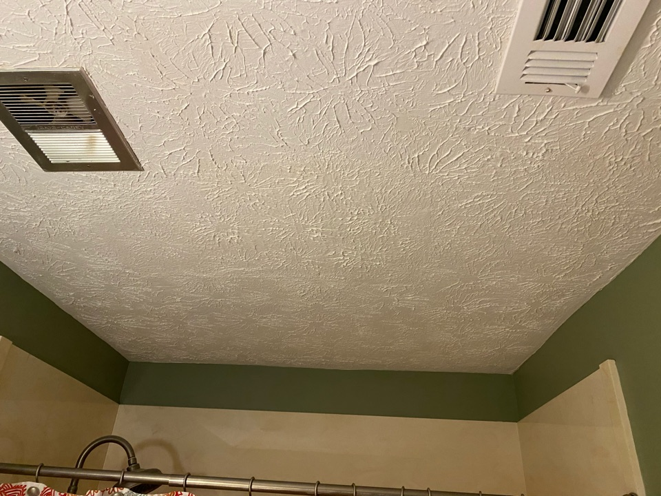 Wetumpka, AL - Water stains on your ceiling? No problem! Protek Restoration can handle that using stain blockers and paint. Your ceiling will come out looking good as new just like this home in Wetumpka Al!