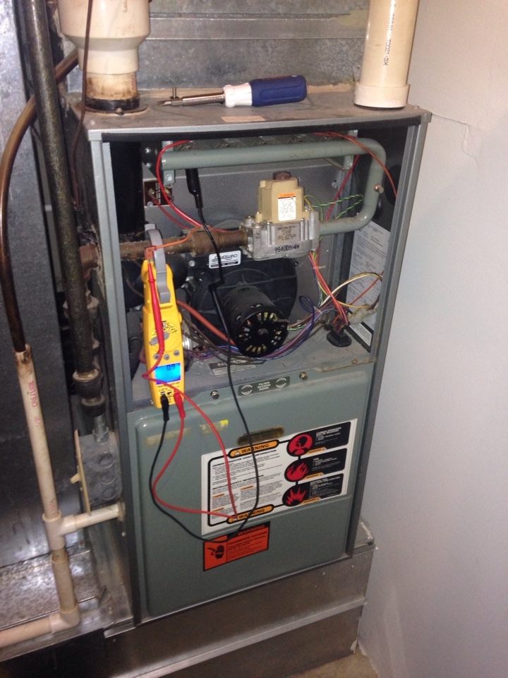 Bristol, WI - Brand new customer called because he was having problems with his 15 yr old Rheem 90 plus furnace. After checking it out I determined the problem could be fixed with some maintenance. Did a tune up on the furnace and customer signed up for our Service Agreement.