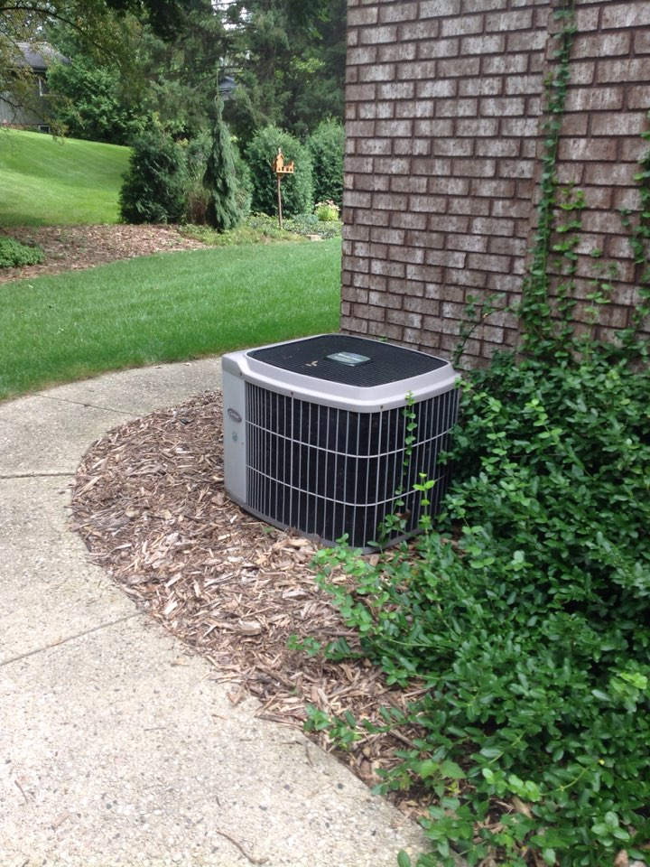 Franklin, WI - Complete central air maintenance plan tune up and cleaning on Bryant AC system. Cooling well now.