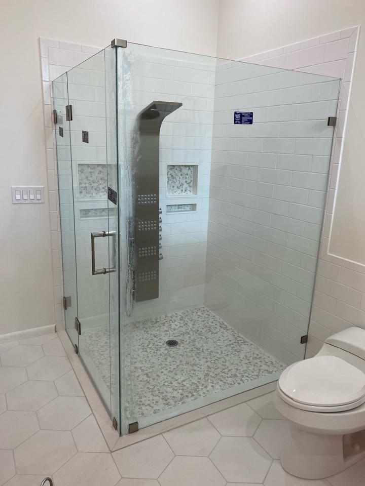 Stuart, FL - Custom frameless glass enclosure