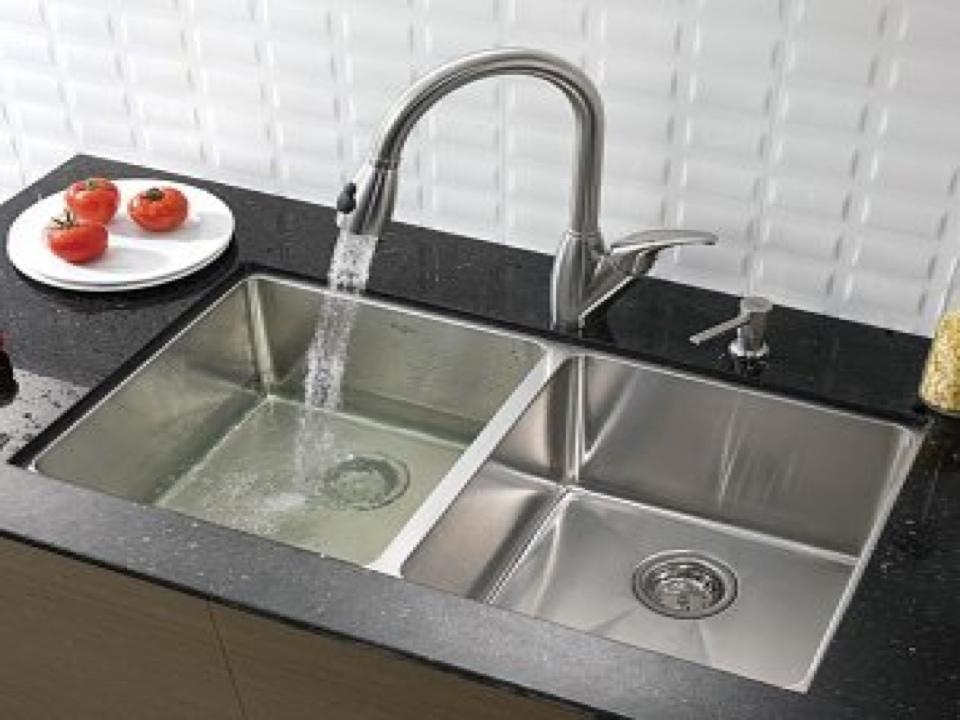 Auburn, WA - Repairing a kitchen sink faucet